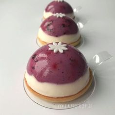 Víkendové pečení - Borůvkovou-citronové dortíky Sweet Cakes, Mini Cakes, Cheesecakes, Dessert Table, Nutella, Cake Recipes, Panna Cotta, Sweet Tooth, Deserts
