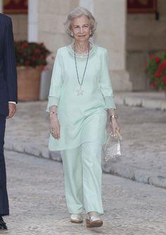 Reina Letizia: an unprecedented look for the traditional reception at the Royal Palace of La Almudaina - Photo 3 Hugo Boss, Spanish Royalty, Estilo Real, Royal Palace, Queen Letizia, Queen Mary, Reyes, Royal Fashion, Princess Diana
