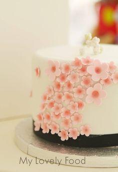 Tarta floral diseño para fiestas de cumpleaños y pequeños eventos