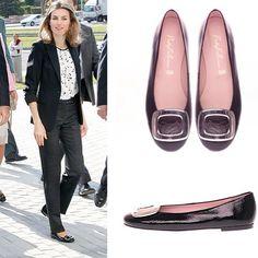 Mais um flagra na Rainha Letizia da Espanha, de PrettyBallerinas nos pés! Adoramos!  #rainhaletizia #reinaletizia #espana #spain #royalty #royals #prettyballerinas #prettyballerinasbrasil