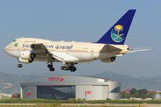 HZ-HM1B - Saudi Arabia - Royal Flight Boeing 747SP photo (587 views)