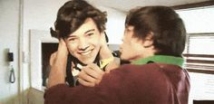 When Louis just couldn't resist planting his face on Harry's cheek.