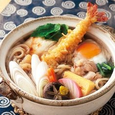 鍋焼きうどん。Nabeyaki Udon.