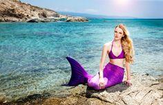 Üç farklı bedende ve çeşitli renklerde tasarlanmış 5 farklı kostüm sayesinde artık sadece yüzmek yerine suyun mavisiyle bütünleşecek, gerçek bir denizkızı olacaksın! Hemen Magictail'i ziyaret et, kostümünü al! www.magictail.com.tr