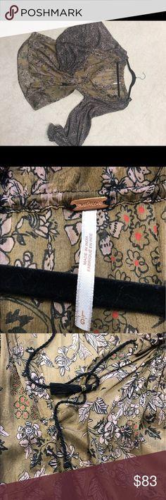 Free people blouse Comfortable semi-sheer long sleeve blouse Free People Tops Blouses