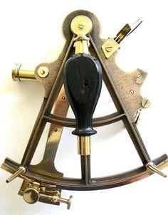 Antique Sextant - Rendez vos souvenirs durables avec www.remix-numerisation.fr
