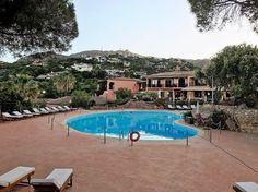 Le Ginestre Porto Cervo (OT) 14/05/2017 #portocervo #leginestre #sardegna #sardinia #bikeor #enjoy #sealife #bikelife #picoftheday #island #pool #wine #food #festival #relax #cantine #bollicine
