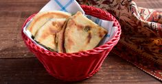 Aprende a preparar esta receta de Pan Indio Relleno de Espinacas (Palack Prantha), por Iván Surinder en elgourmet