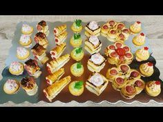 Aperitive de sarbatori si ocazii speciale | Aperitivos faciles de navidad. - YouTube Baking Classes, Puff Pastry Recipes, Prosciutto, Party, Buffet, Food And Drink, Appetizers, Stuffed Peppers, Snacks