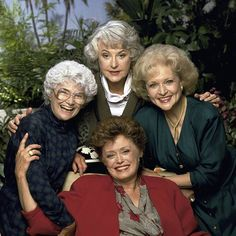 The Lego Golden Girls Set Could Become a Reality. Attention, Golden Girls fans, you might just get to play with Lego versions of Dorothy, Sophia, Rose and Blanche. Golden Girls Costumes, Estelle Getty, Betty White, Star Wars, Classic Tv, Marceline, Celebs, Celebrities, Woman Painting
