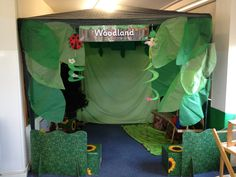 Woodland role play area Woodland Fairy, Woodland Theme, Positive School Quotes, Percy The Park Keeper, Year 1 Classroom, Gruffalo Party, Teaching Weather, Room On The Broom, Play Corner