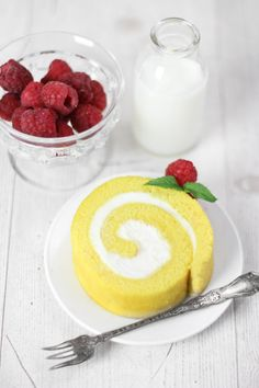Sprinkle Bakes: Lemon Cream Roulade - A Guest Post!