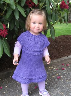 adorable dress by Anadiomena, via Flickr. Pattern in library.