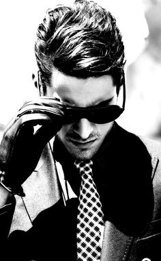 Black and White My favorite photo Homens Elegantes, Gravatas, Óculos Ray  Ban, Moda 7adda2a0f6