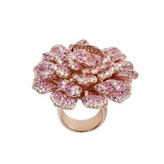 That is one incredible rose gold plated rose I must say! Rose Gold Flower Ring, Diamond Jewelry, Silver Jewelry, Rose Gold Plates, Luxury Fashion, The Incredibles, Brooch, Pendant, Rings