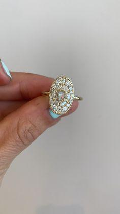 Dream Engagement Rings, Vintage Engagement Rings, Vintage Rings, Vintage Diamond Rings, Cute Jewelry, Jewelry Accessories, Wedding Jewelry, Wedding Rings, Pretty Rings