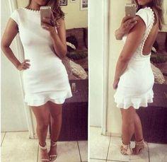 Vestido Branco decote costas com babados e pérolas