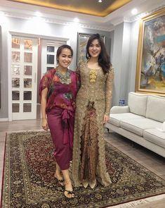 Kebaya Modern Hijab, Kebaya Hijab, Batik Kebaya, Kebaya Dress, Kebaya Muslim, Batik Dress, Model Kebaya Modern Muslim, Model Kebaya Brokat Modern, Kebaya Jawa