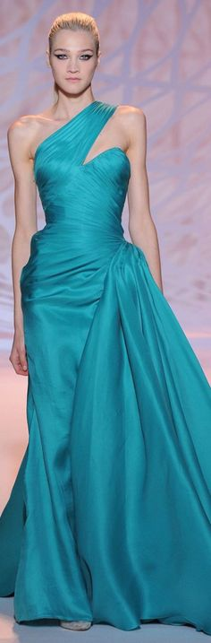 Lovely color for Queen Mathilda if she would - Zuhair Murad Haute Couture FallWinter - turquoise evening gown Elegant Dresses, Sexy Dresses, Nice Dresses, Ellie Saab, Gq, Turquoise Fashion, Zuhair Murad, Party Gowns, Beautiful Gowns