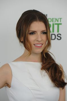 How to Get Anna Kendrick's Romantic Side Ponytail