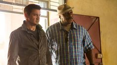 Jeremy Renner and Ving Rhames in Mission Impossible Rogue Nation Mission Impossible Ghost, Christopher Mcquarrie, Free Online Diary, Rogue Nation, Ving Rhames, Ghost Protocol, Jeremy Renner, Film Serie, Tom Cruise