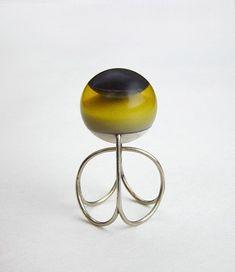 Beate Klockmann - Spherering 3: Gold, amber, bone, ebony. 2003