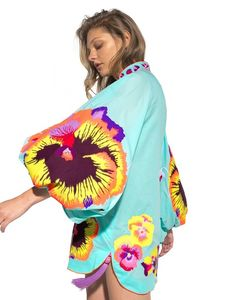 Ukrainian designer Yuliya Magdych combines ukrainian traditions and modernity. Kimono Fashion, Fashion Wear, Fashion Outfits, Womens Fashion, Plus Size Fashion For Women, Comfortable Outfits, Blouse, African Fashion, Beachwear