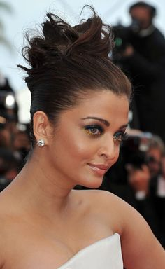 Aishwarya Rai Pinned Up Ringlets