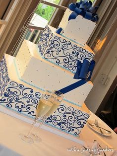 white & blue cake - police wedding/party always needs a hint of blue