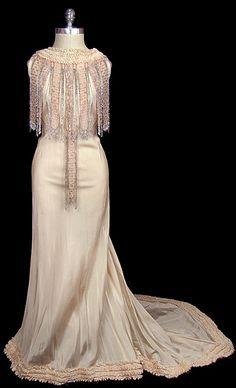 Wedding Dress 1930, Made of taffeta and lace