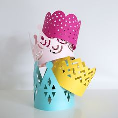 https://www.redstamp.com/non_customizable/crowns/laser-cut-paper-crowns-fancy-fete
