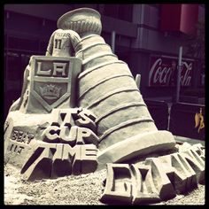 LA Kings sand art: Welcome back, Kings fans! Let's get the Stanley Cup back in LA! http://www.sportyshades.com/teams/nhl-blinds/los-angeles-kings/