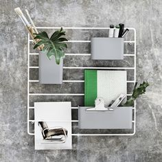 The String Works Grid Wall Organiser is the latest addition to the String shelving storage system. Three storage pockets hang from a wall mounted metal grid – perfect for the well-organised home or office. Modular Shelving, Shelving Systems, Storage Systems, Wall Organization, Wall Storage, Wire Grid Wall, Wand Organizer, String Regal, String Shelf