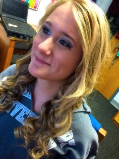 Hi pretty  light smokey eye and curls. Practice run for formal! #eyes #beauty #curls #wand #diy #mac #bareessentials
