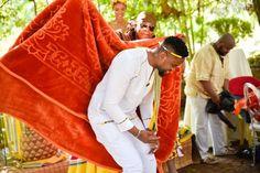 Bontle Bride features real weddings with a flavour of culture, plus wedding tips, ideas, tricks and money saving articles. Wedding Tips, Wedding Blog, Wedding Planning, South African Weddings, My Wardrobe, Real Weddings, Gentleman, Sari, Bride
