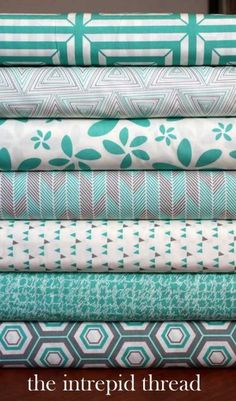 Minimalista - Fat Quarter Bundle in Turquoise