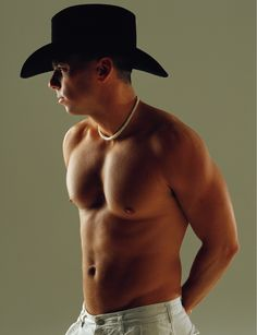 Kenny Chesney nuff said! Country Music Artists, Country Music Stars, Country Singers, Raining Men, Country Boys, Dream Guy, Good Looking Men, My Guy, Gorgeous Men