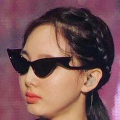 twice memes meme K Pop, Kpop Girl Groups, Kpop Girls, Korean Girl Groups, Meme Faces, Funny Faces, Nayeon Twice, Twice Kpop, Funny Kpop Memes
