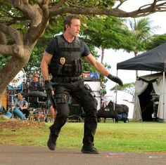 Hawaii Five-0 2010 - Alex O'Loughlin: New Behind The Scene Pictures