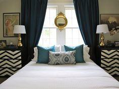 symmetrical bedroom, bed in front of window Window Behind Bed, Window Headboard, Window Bed, Headboard Ideas, Bedroom Bed, White Bedroom, Dream Bedroom, Bedroom Decor, Gold Bedroom