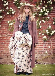 Elinor Weedon for Harper's Bazaar UK (October 2013) - http://qpmodels.com/european-models/elinor-weedon/3171-elinor-weedon-for-harpers-bazaar-uk-october-2013.html