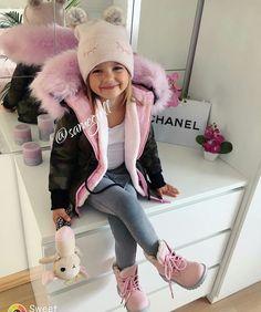 New baby girl fashion outfits ideas Cute Kids Fashion, Little Girl Fashion, Toddler Fashion, Fashion Children, Trendy Fashion, Cute Little Girls Outfits, Toddler Girl Outfits, Toddler Girl Fall, Outfits Niños