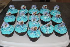 Frozen Birthday Party   Frozen Chocolate Cupcakes