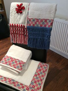 Bath towels with Macramé finishing