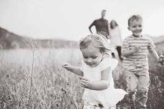Family photo session tips & advice from sweetlittlepeanut.com