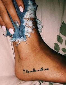 Als Melhores Tattoos de Pet - diy tattoo images - Yorgo Little Tattoos, Mini Tattoos, New Tattoos, Body Art Tattoos, Grace Tattoos, Word Tattoos, Temporary Tattoos, Tattoo Words, Inner Arm Tattoos