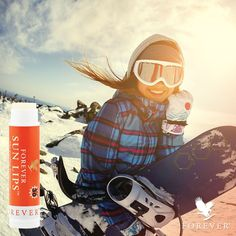 Forever Sun Lips with SPF 30 protects your lips while you're skiing down the hill! The perfect companion during your winter activities.