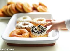 Luchtige Donuts Mini Donuts, Doughnut, Beignets, Bread Recipes, Cookie Recipes, Donut Maker, Cupcake Cookies, Cupcakes, High Tea