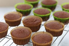 Vídeo receta: Cupcakes de Chocolate / Video Recipe: Chocolate Cupcakes in Spanish