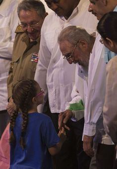 Cumpleaños 90 de Fidel Castro en el Teatro Karl Marx, de La Habana, el 13 de…